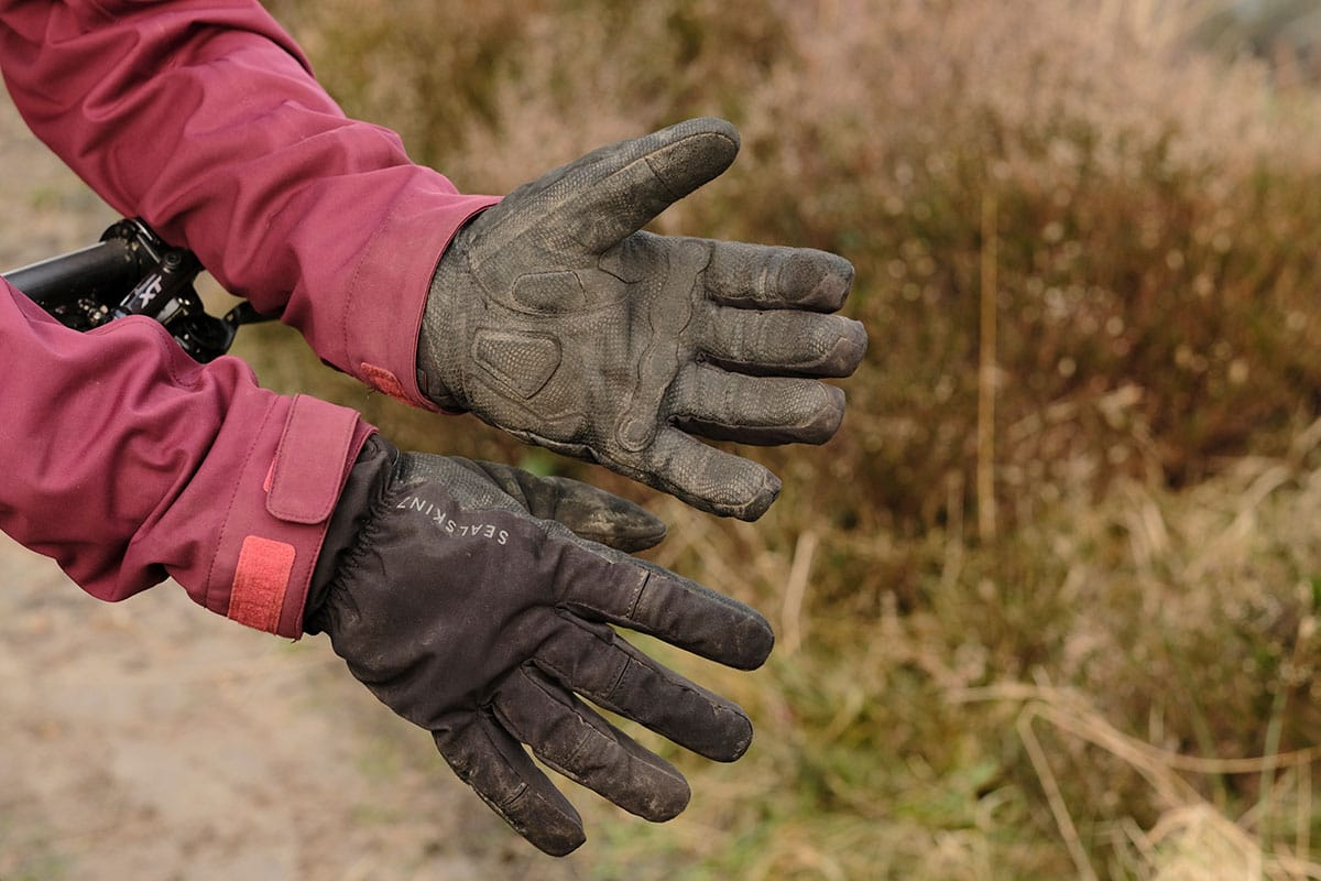 sealskinz highland gloves winter