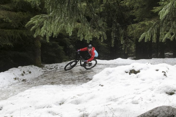 canyon spectral cf 8 review singletrack magazine in the snow