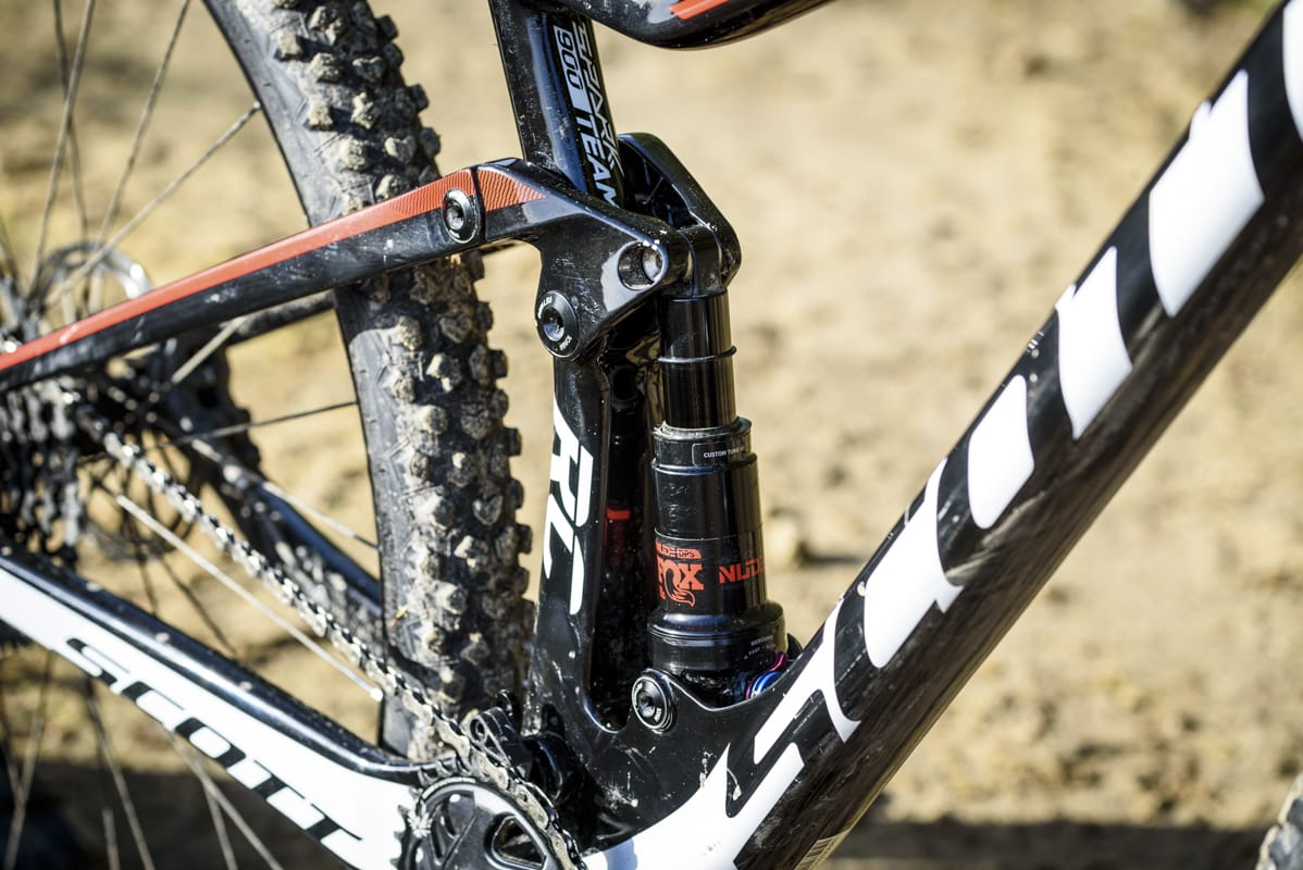 678ca50e711 Review: The TwinLoc system on the 2018 Scott Spark RC 900 Team is ...