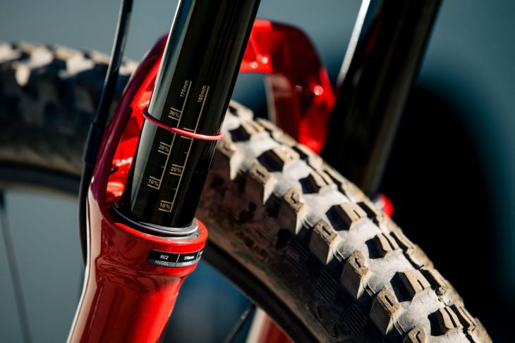 rockshox lyrik rc2 nukeproof mega 275