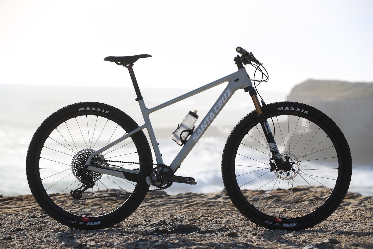 First Ride Review: Santa Cruz Highball 3 CC X01 Reserve ...