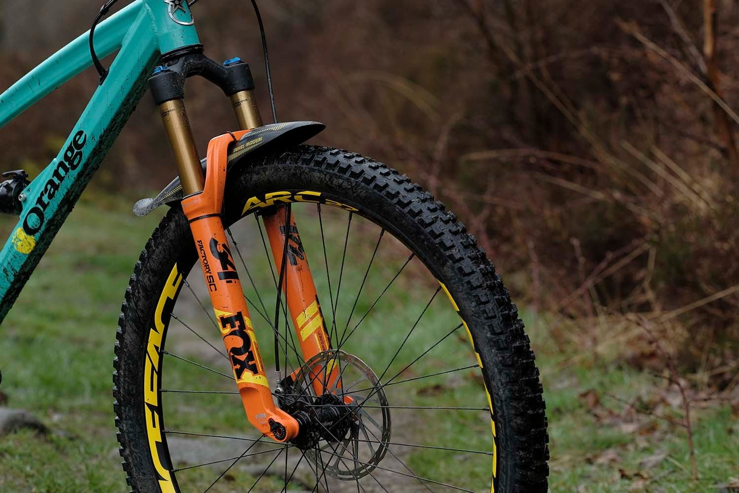Review Fox S Brand New 34 Step Cast Fork Is Here From The Future And It Is Super Light