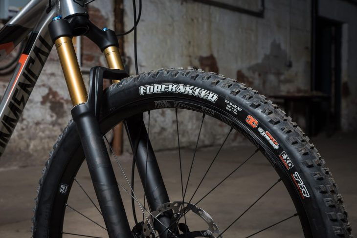 commencal meta trail maxxis forekaster