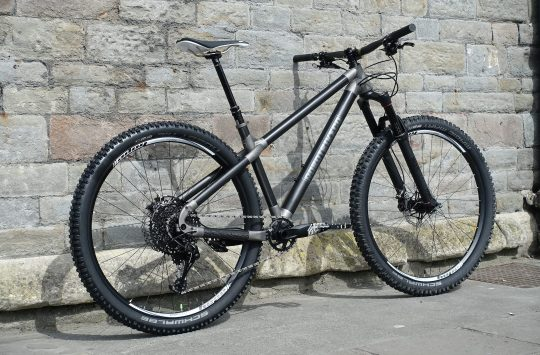 robot bike co r-zero hardtail uk made carbon titanium 3d printing
