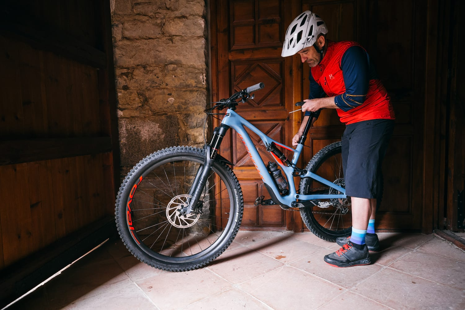89477087339 The 2019 Stumpjumper has taken a different approach with its Sidearm frame.  Photo: Harookz/Specialized.