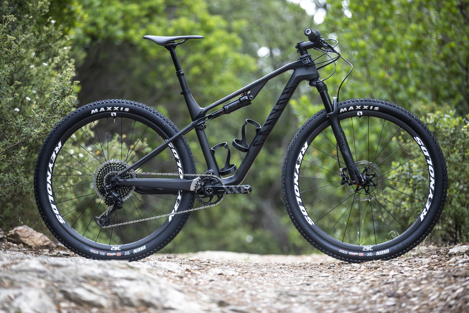 First Ride Review 2019 Canyon Lux Cf Slx 9 0 Pro Race