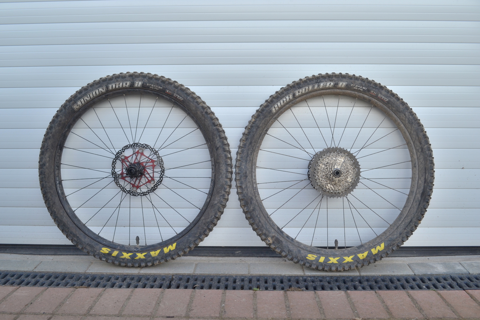 sun ringle duroc 40 plus wheels maxxis tyres 2.8in