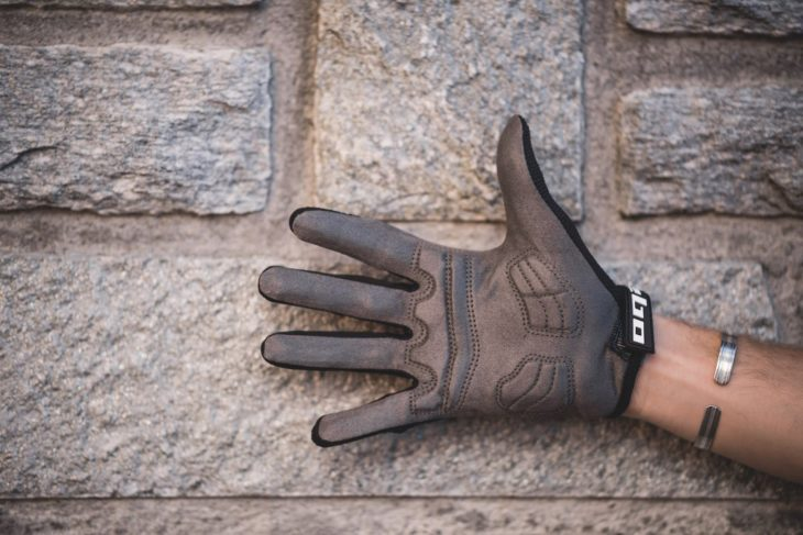 hebo tracker gloves