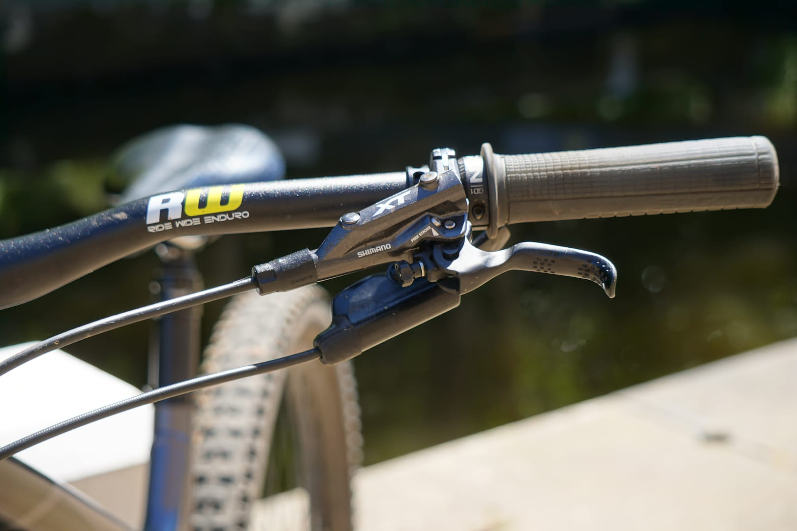 ecea440448f The M8020 uses the same lever and Servo Wave technology as the M8000. Buy  now: Shimano Deore XT M8020 Disc Brake ...