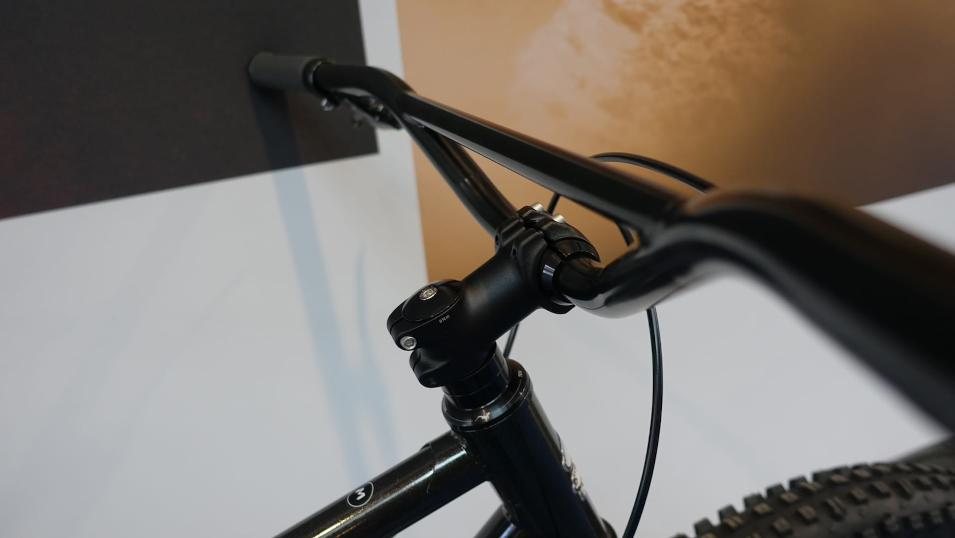 Surly S Lowside Doesn T Have Suspension Carbon Fibre Or