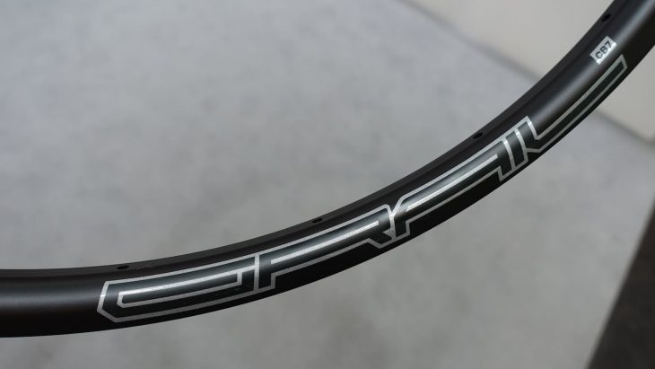 stans grail carbon cb7 rim gravel
