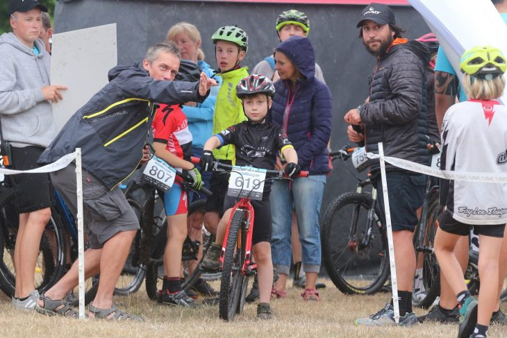 islabikes pivot twentyfour12 kids racing