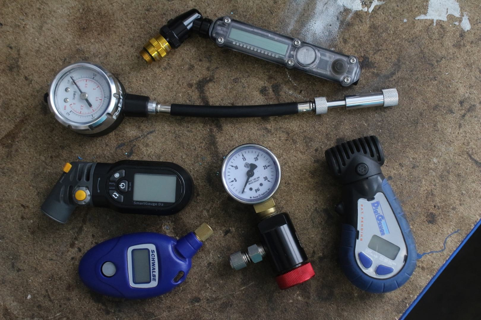 Group Test: 6 Tyre Pressure Gauges Tested & Reviewed
