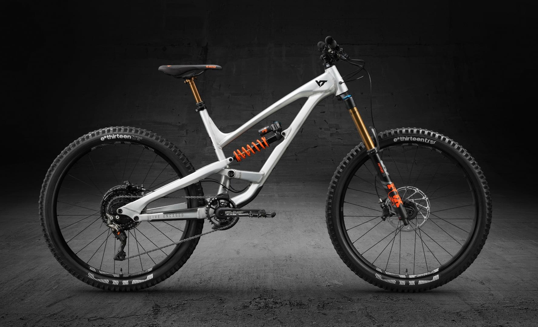 Now Sold Out Yt Goes Carbon Free For Black Friday With Ltd Edition Capra Singletrack Magazine
