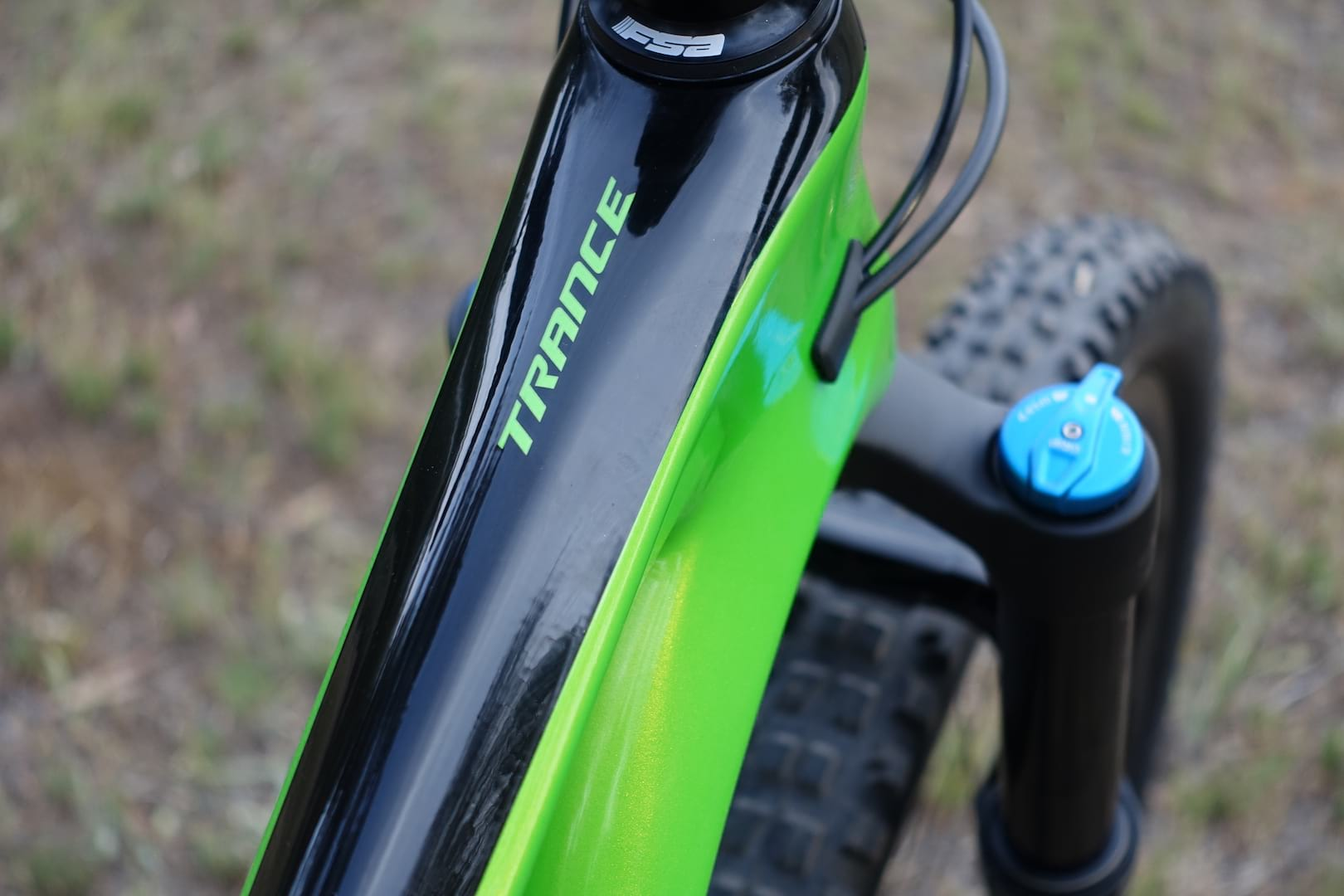 3536fb665bb giant trance 29. There's internal routing through the downtube. ...