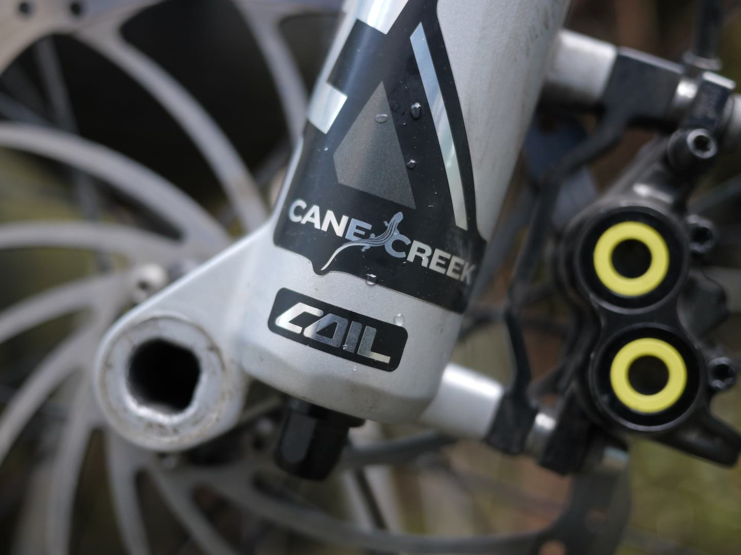 Review: The Cane Creek Helm Coil Fork – Is it better than the Helm Air?