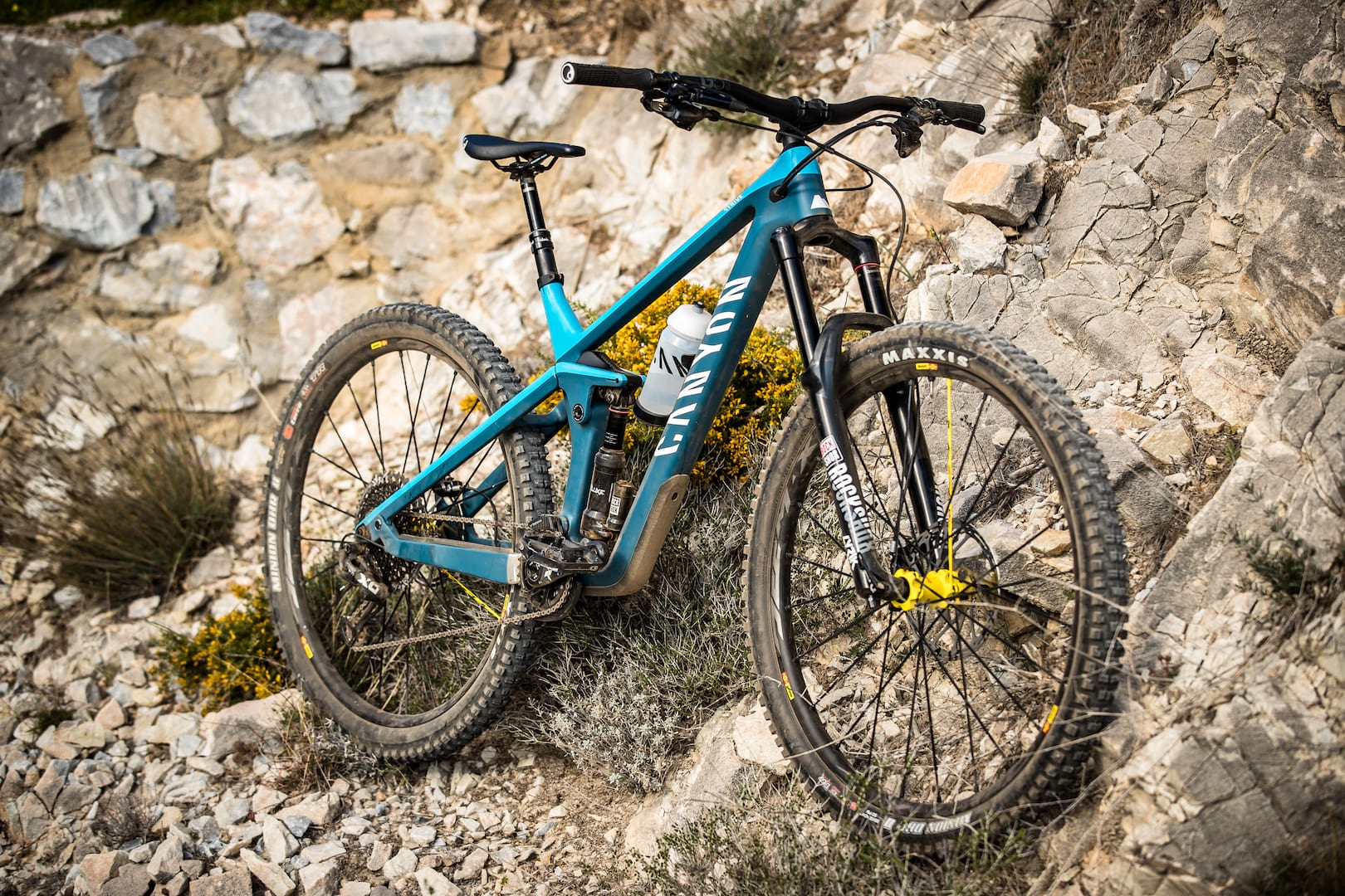 All You Need To Know About The 2019 Canyon Strive | Singletrack