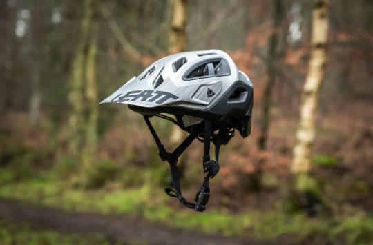 leatt dbx 3.0 enduro helmet convertible full face