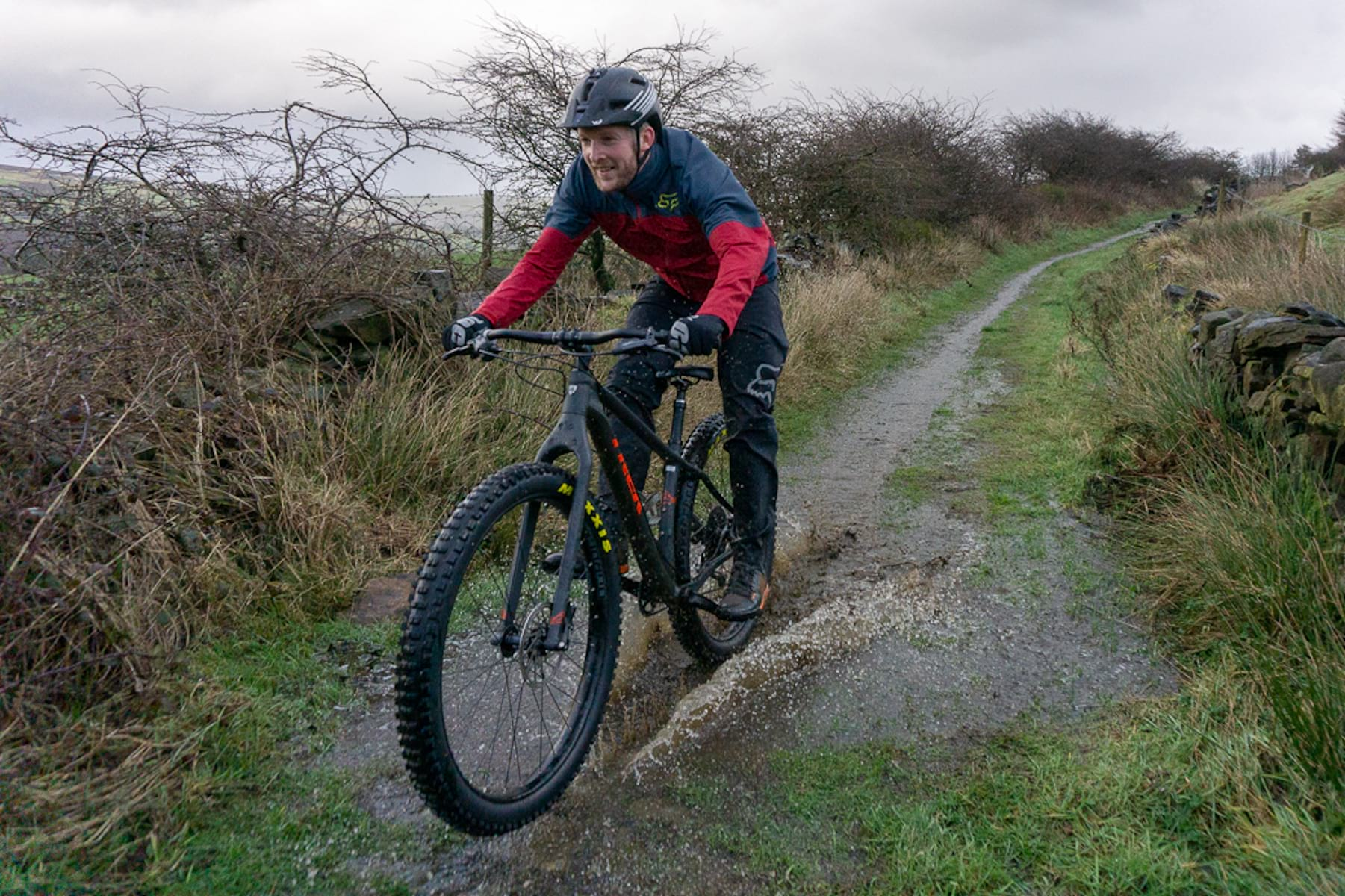Clothing Archives - Singletrack Magazine 39a0d7fde