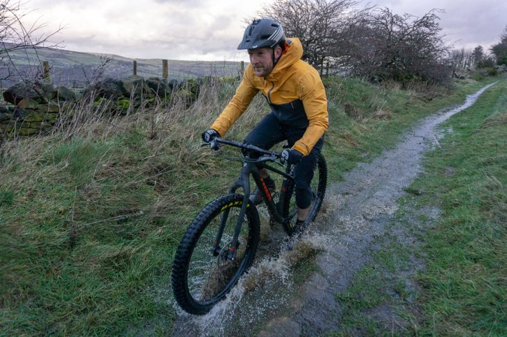 singletrack review endura mt500 jacket shorts