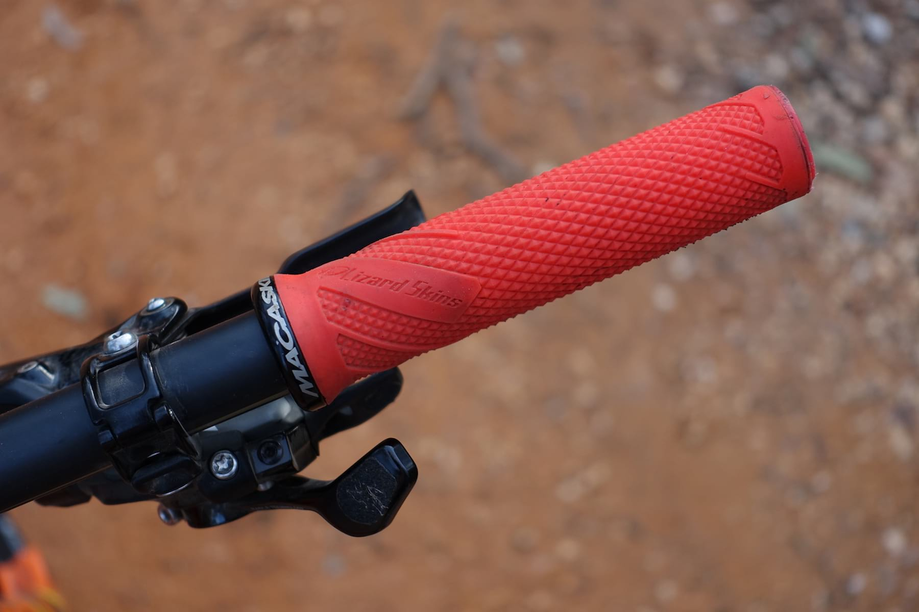 lizard skins macaskill lock-on grips