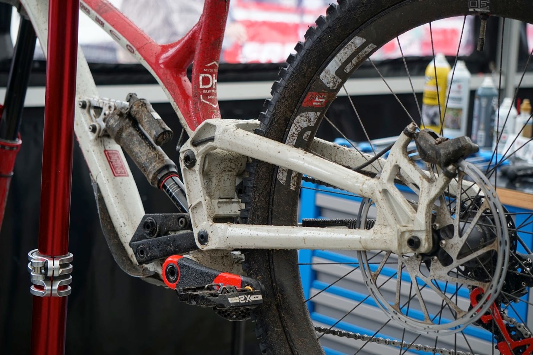 2020 commencal supreme dh bike fort william
