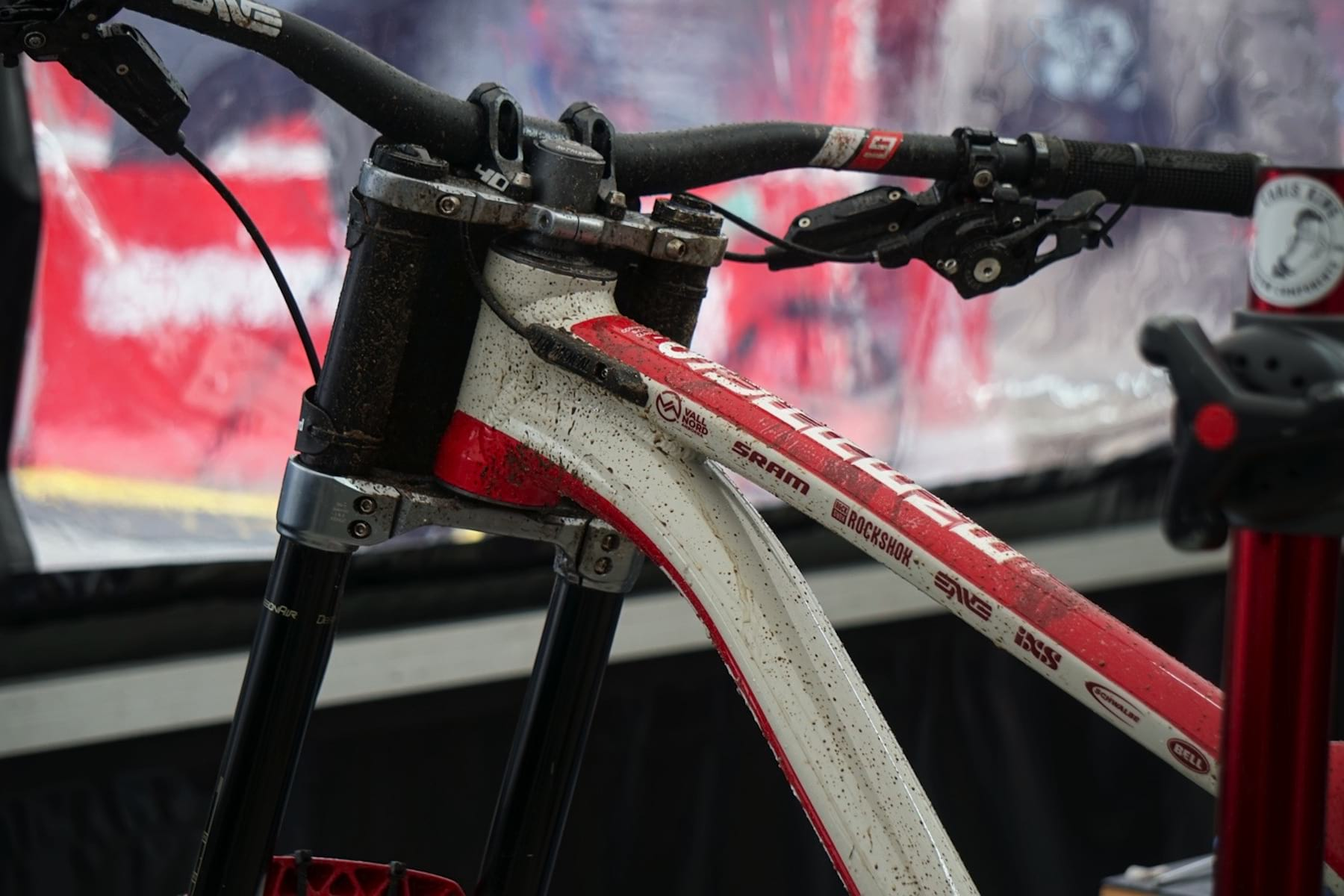 fad4e23f799 Spotted At Fort William: The New Commencal Supreme DH bike