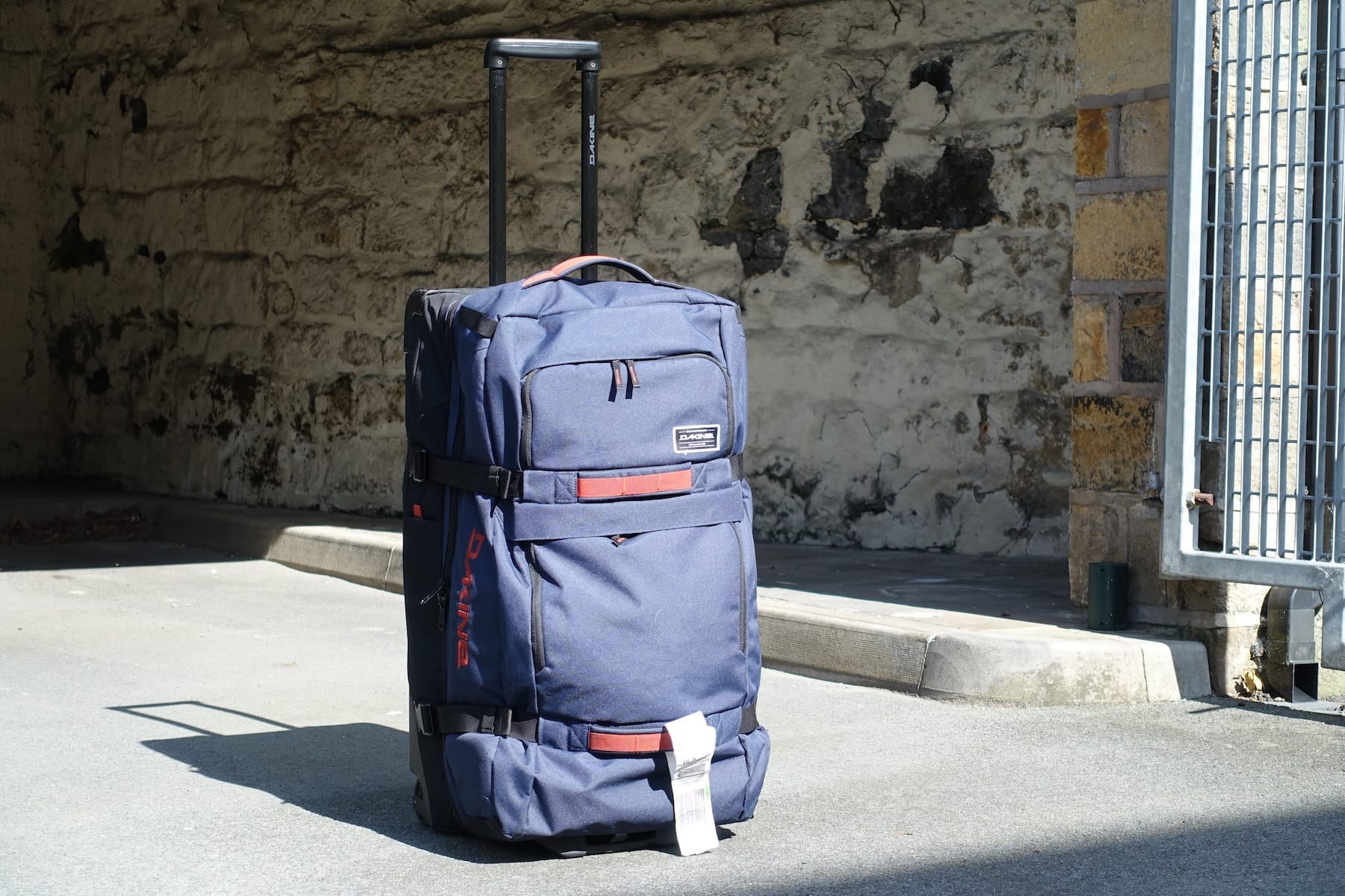 dakine split roller bag travel