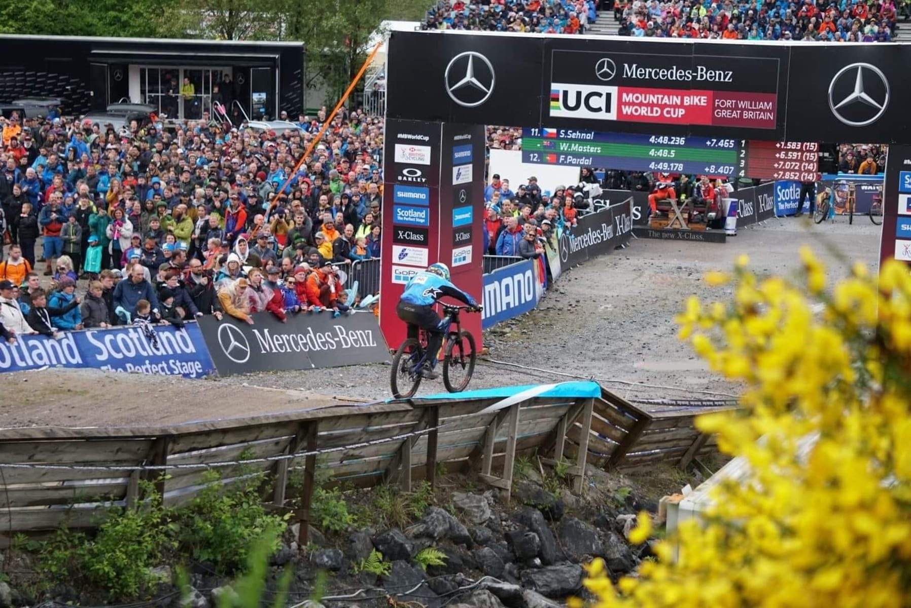 2019 fort william world cup crowd downhill race