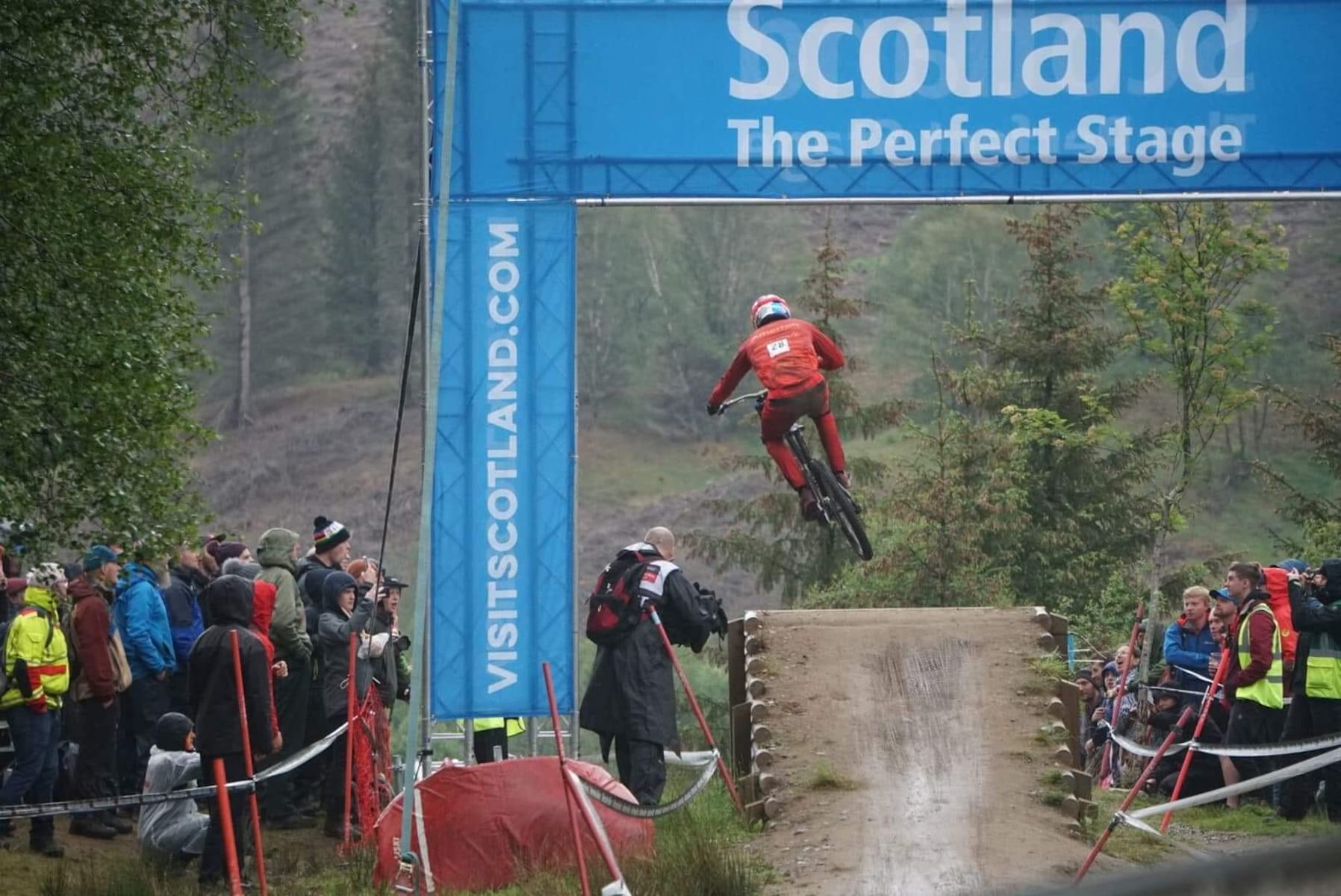gee atherton 2019 fort william world cup