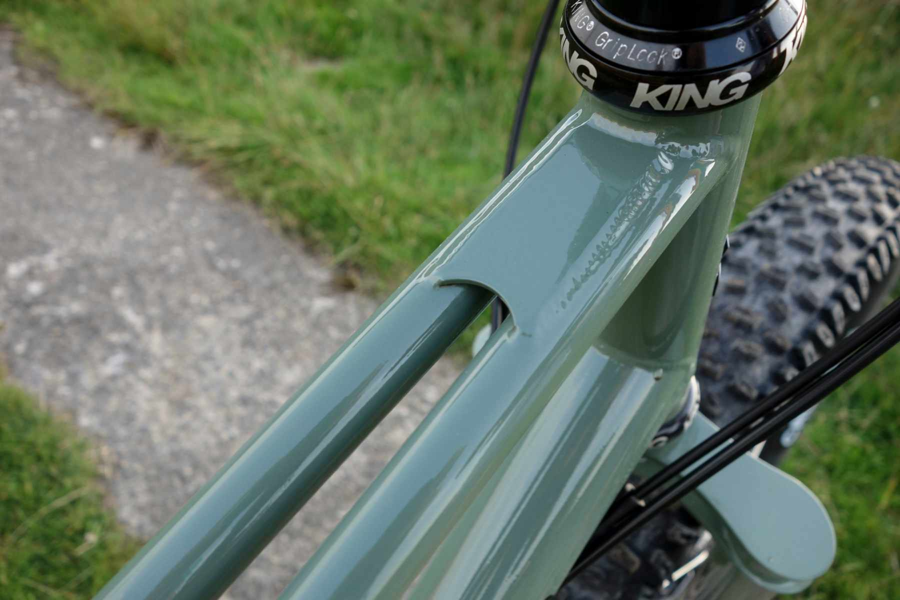 Twin top tube
