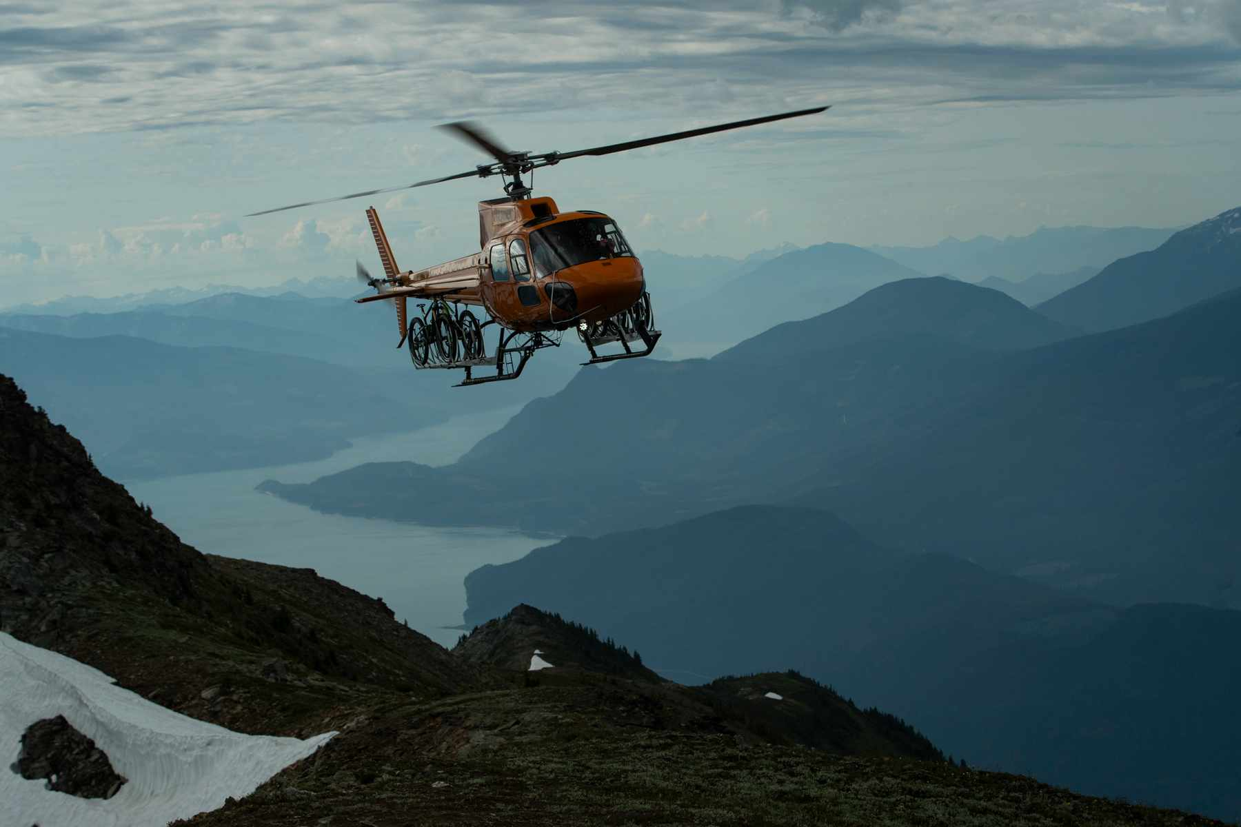 helicopter revelostoke