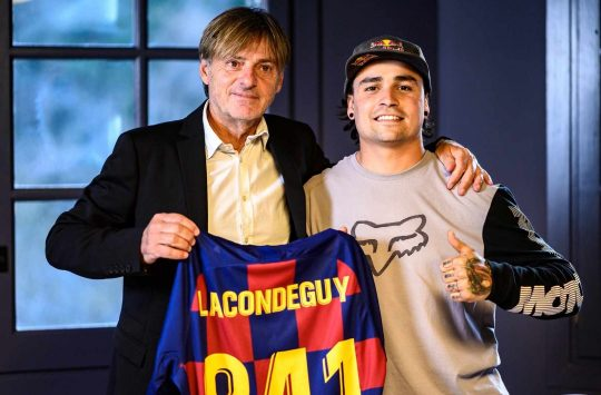 Andreu Lacondeguy Signs With COMMENCAL Football Club