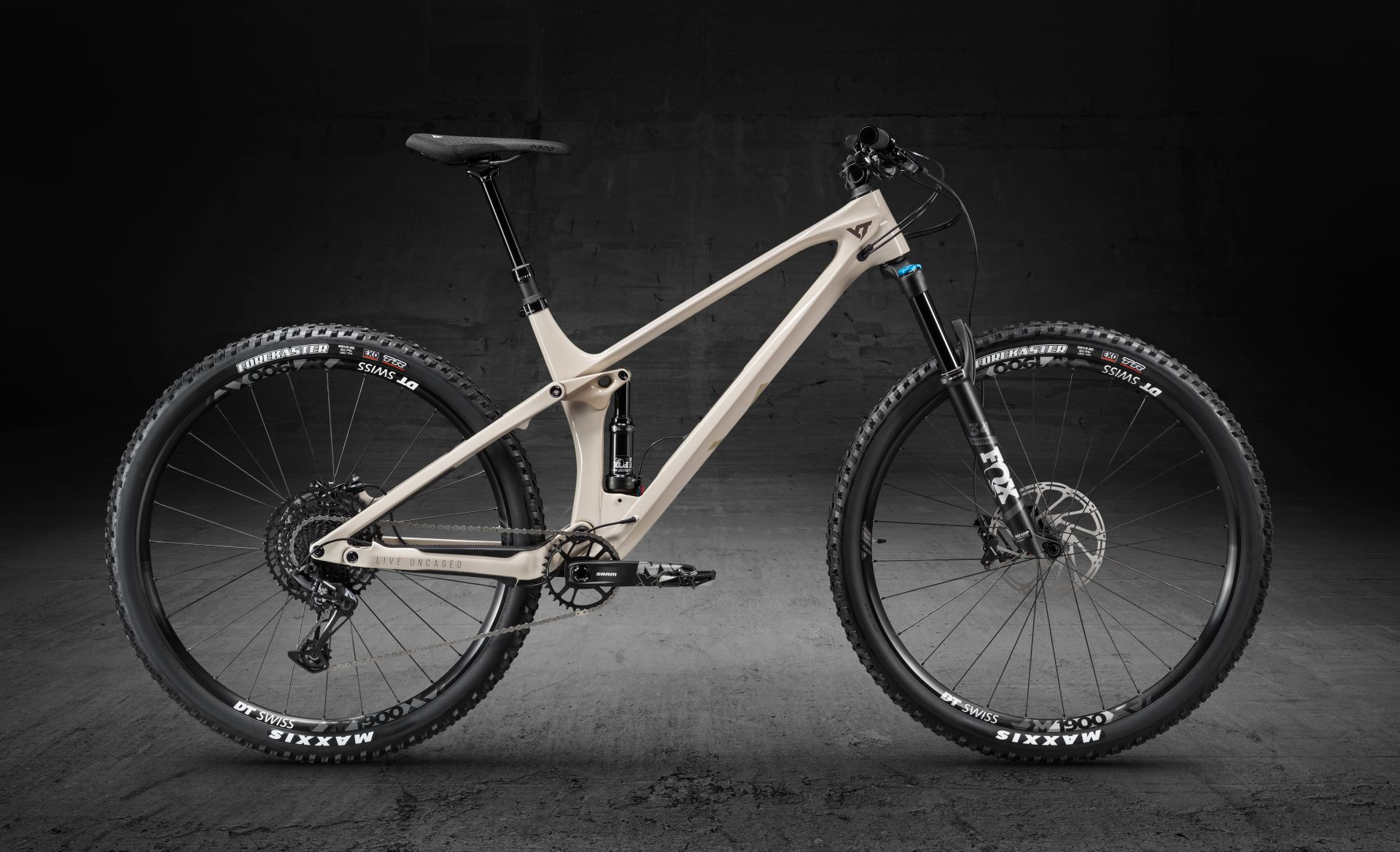 YT IZZO Pro Race First Lookv