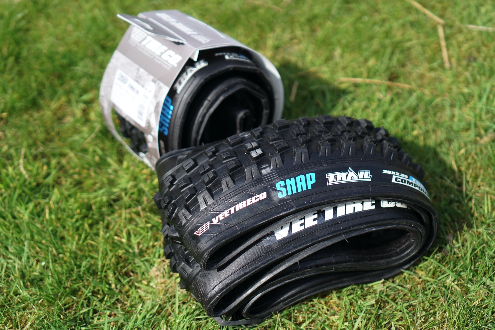 vee tire snap trail