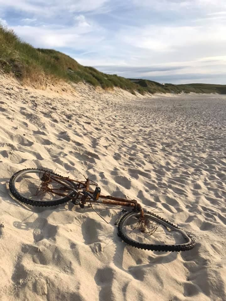 rusty beach bike