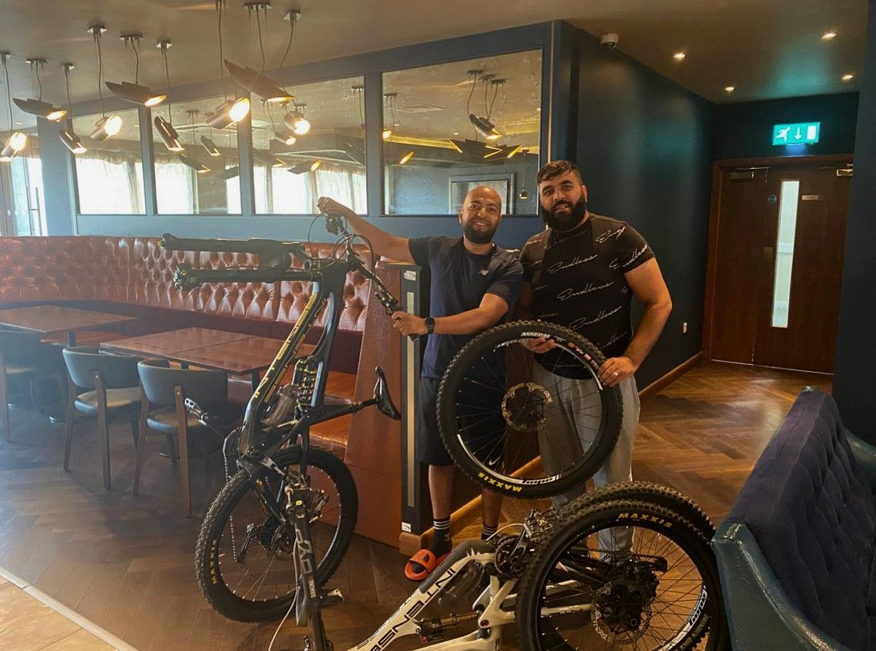 Two Brothers Stop Bike Theft in Hotel Car Park