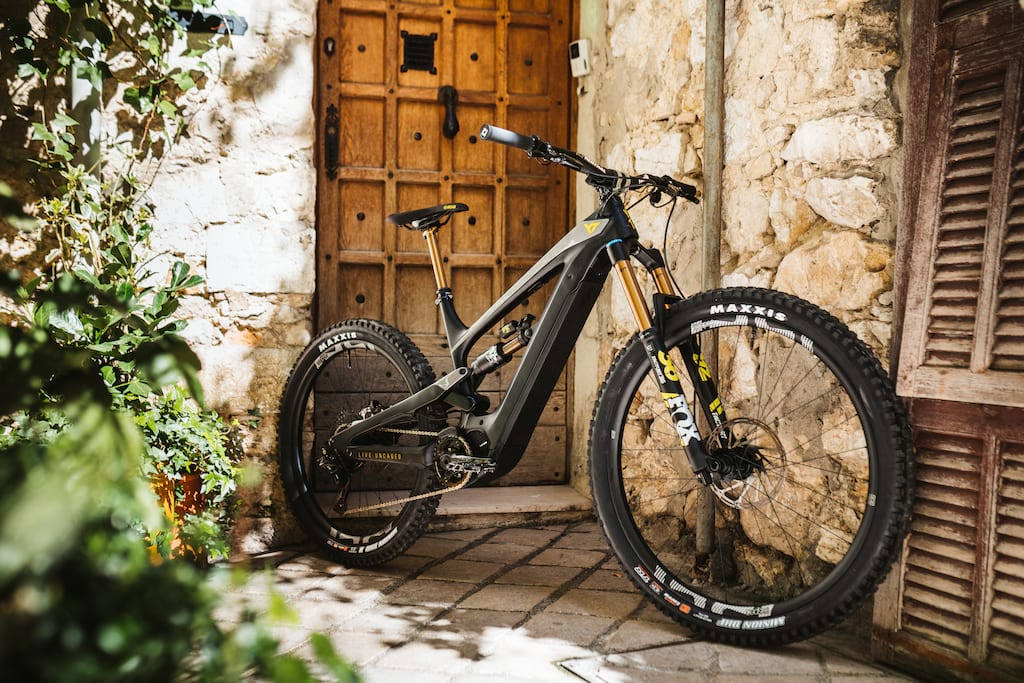 YT Decoy singletrack magazine