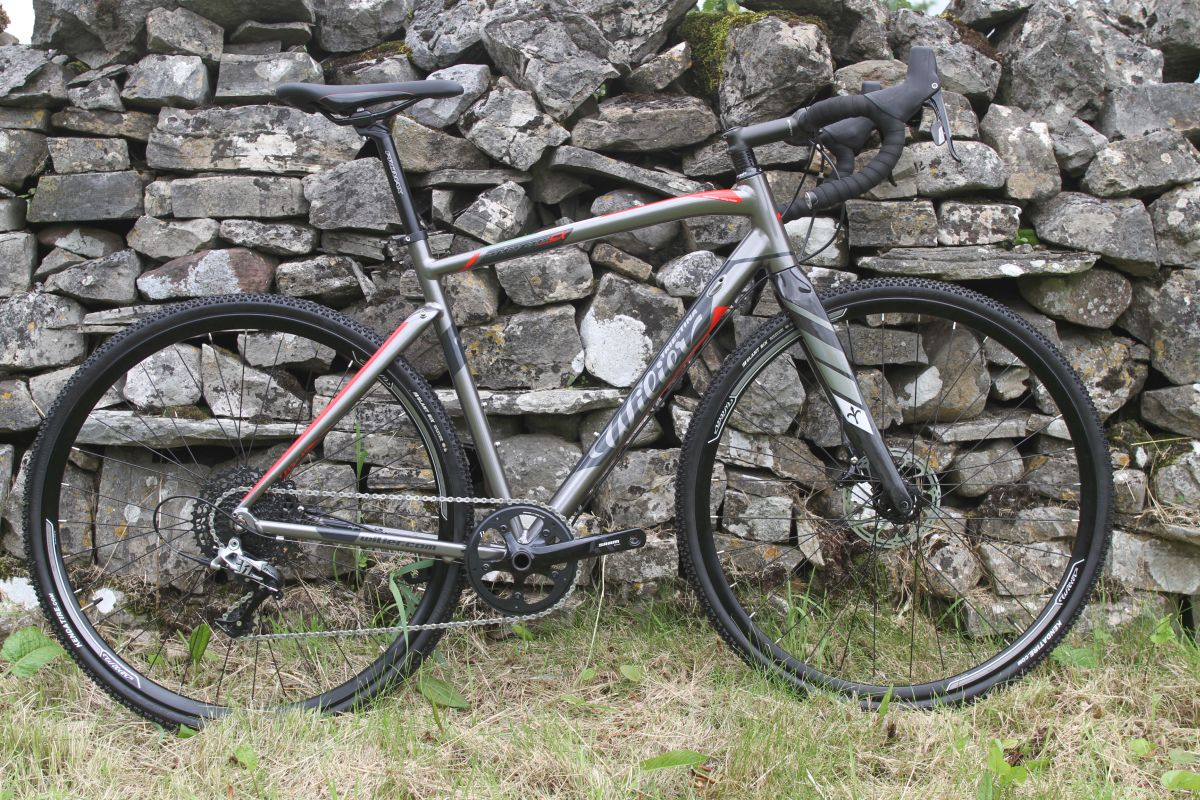 a88df55e18e This is the Montegrappa CX – a race ready cross bike in alloy with a carbon  fork.