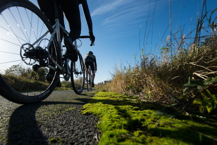 riding along the river thames gritcx magazine