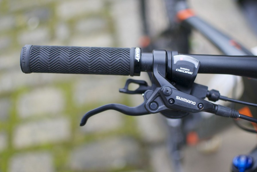 Nice grips, decent brakes and shifters: sorted