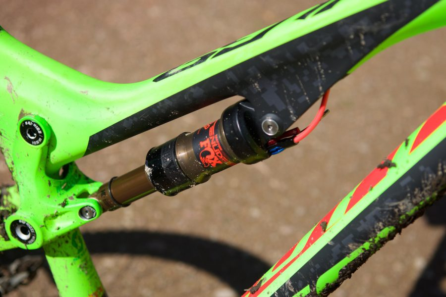 scott genius lt enduro 27.5 carbon fox kashima fluoro green barney grouptest issue magazine 107
