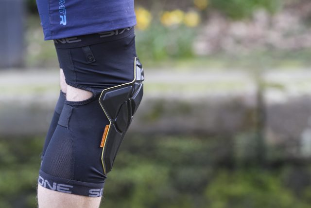 The Recon knee pad was specifically designed for Trail and All-Mountain riders looking for minimalist protection that will provide them the protection they need, while not compromising on comfort and flexibility. We created these pads to be ultra-light and technical so that you can wear them on every ride. No need to put these in your bag on the climbs, the Recon is comfortable enough to wear all the time.
