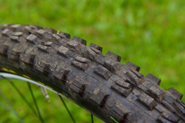 maxxis minion dhf 29in 29er downhill tyre tubeless