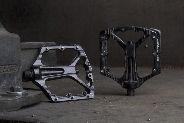 sixpack skywalker flat pedals issue 113