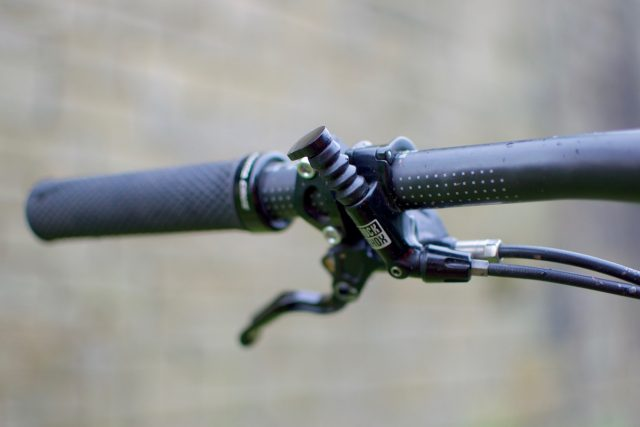 rockshox reverb dropper post issue 109