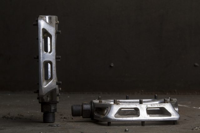 dmr v8 flat pedals issue 113