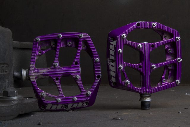 hope f20 flat pedals purple issue 113
