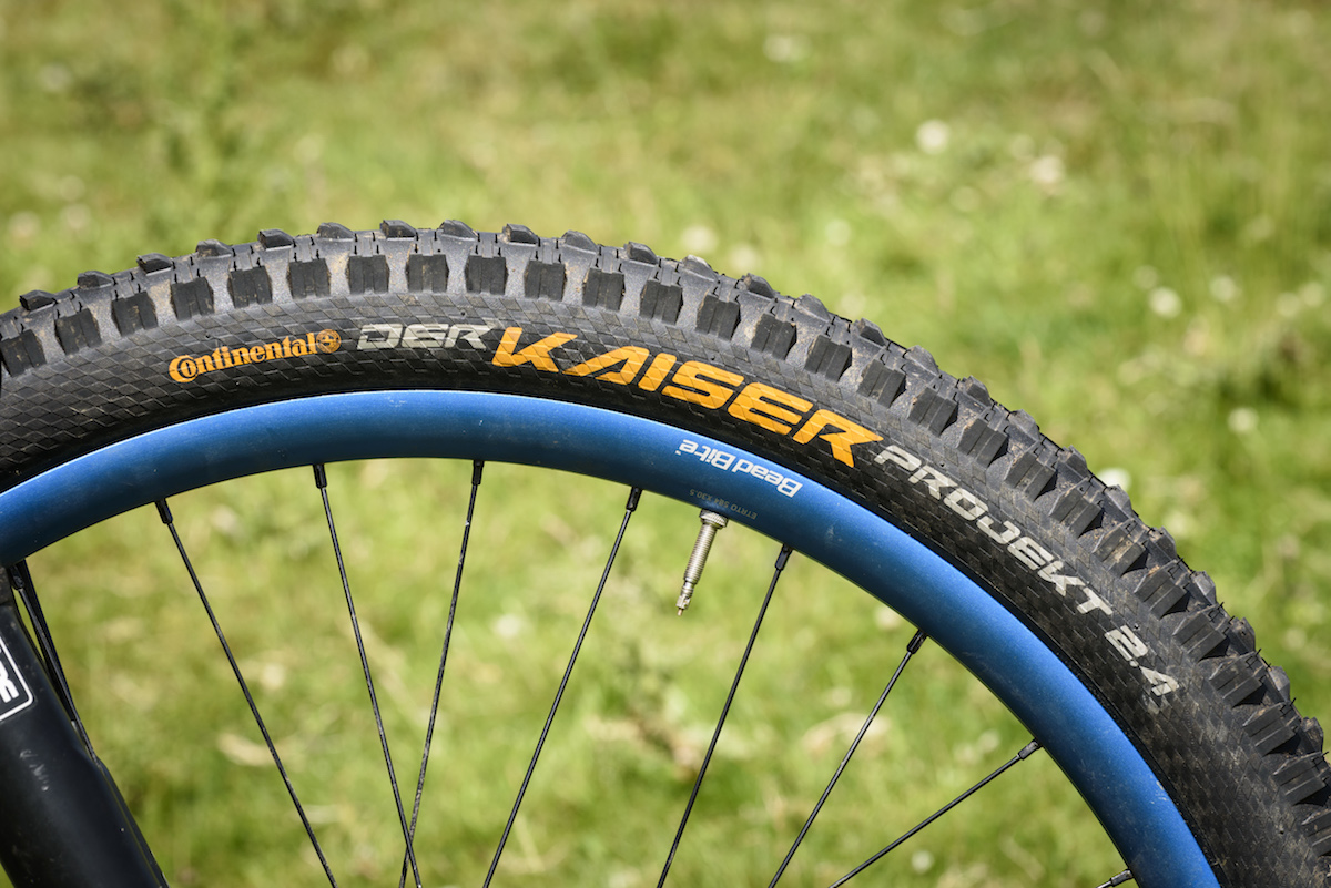 a94ef14c8cd The Der Kaiser Projekt 2.4in trail tyre uses a faster-rolling tread pattern  than the bigger 2.5in wide Der Kaiser downhill tyre.